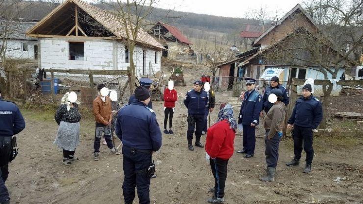 Razie a polițiștilor în Socond și Beltiug. Zeci de persoane, legitimate și amendate