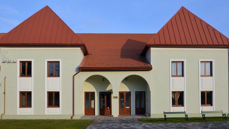 Biblioteca Municipală Carei s-a mutat într-o nouă locație