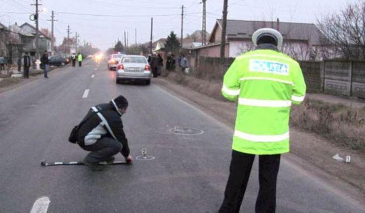 Un șofer a accidentat un bărbat care mergea pe marginea drumului, la Botiz