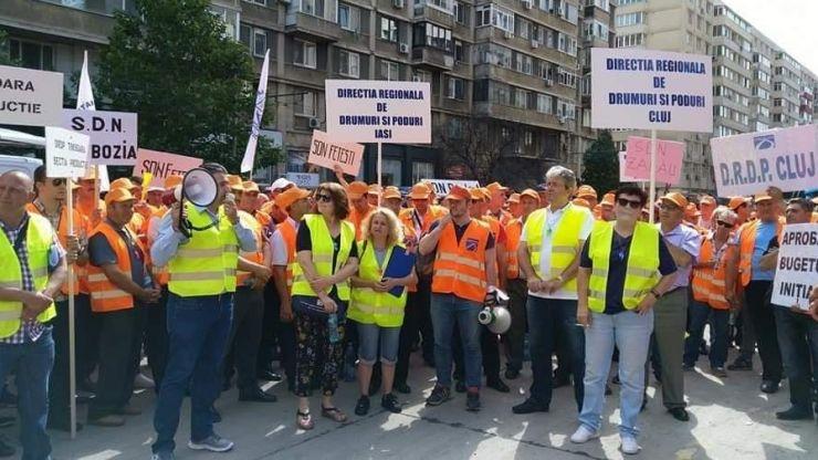 Sindicaliștii sătmăreni au protestat în fața Ministerului Transporturilor