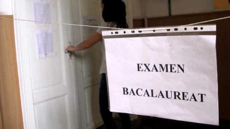 1.946 de elevi din județ susțin azi proba la Limba şi literatura română