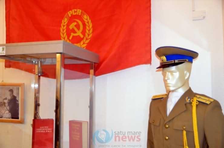 Expoziție dedicată comunismului, la Muzeul de Artă