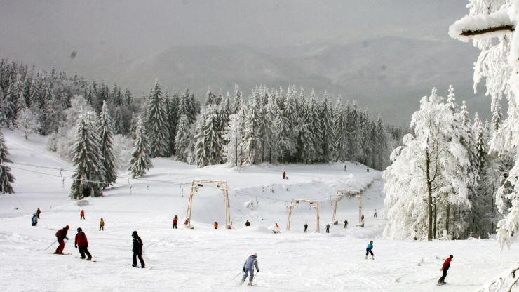 Stratul de zăpadă măsoară 76 cm la Cavnic
