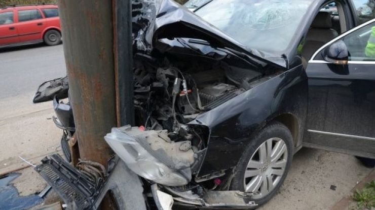 Trei mașini implicate într-un accident, în Păulești