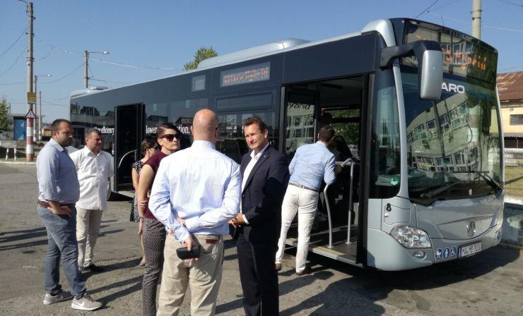 Primul autobuz hibrid a ajuns pentru a fi testat la Satu Mare