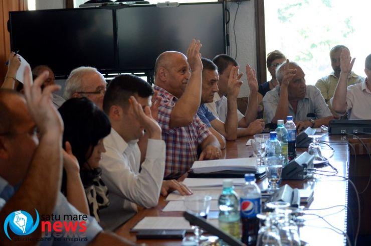 Vicepreședintele CJ, Mircea Govor propune acordarea de bani pentru AJF Satu Mare și biserici (foto)