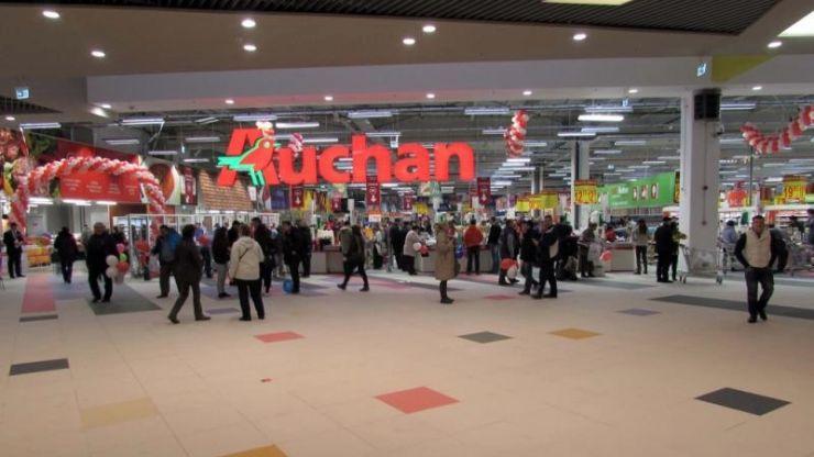 Auchan retrage un lot de file de somon afumat contaminat cu Listeria
