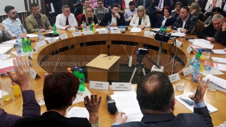 """UDMR și PNL au votat azi un proiect care """"nici măcar nu a fost discutat și dezbătut în ședința de comitet"""""""