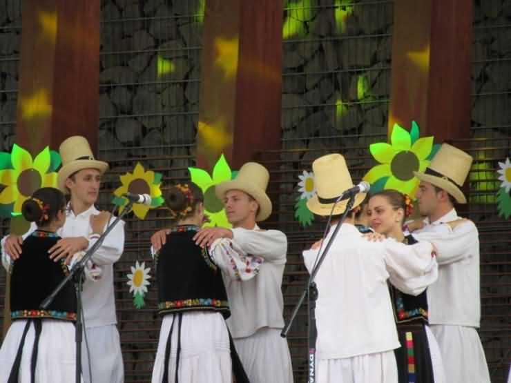"""Ansamblul """"Ceatăra"""", locul I la Festivalul Internațional de Folclor în Polonia"""
