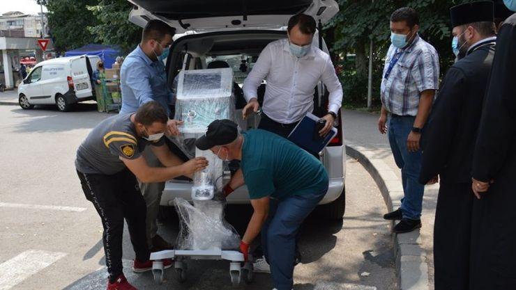 FOTO | Aparat de ventilație donat spitalului de Episcopia Ortodoxă Română a Maramureșului și Sătmarului
