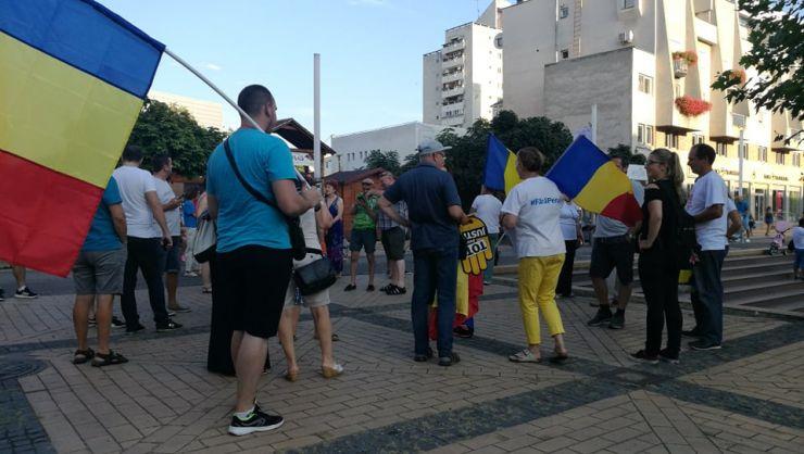 Aproximativ 50 de sătmăreni au ieşit să protesteze