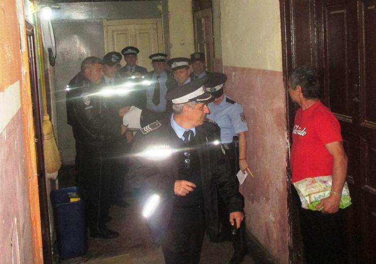 O nouă razie a polițiștilor în imobilul situat pe strada Horea nr. 6