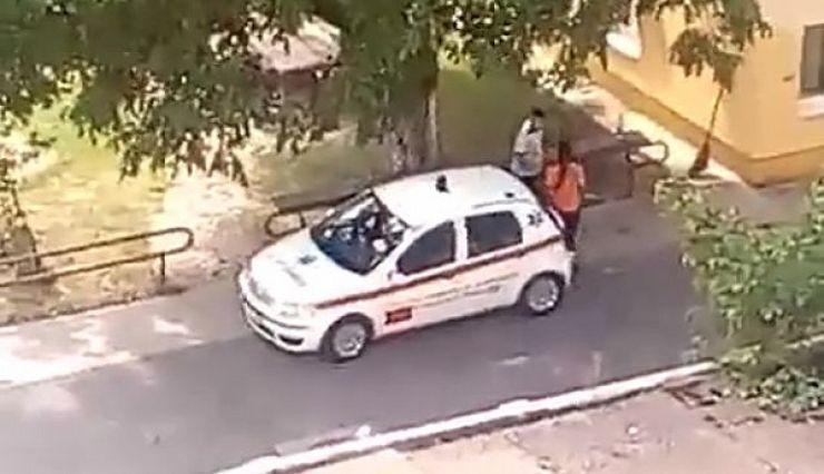Un poliţist şi-a agresat soţia, asistentă medicală, în curtea Serviciului de Ambulanţă. Poliția a deschis o anchetă