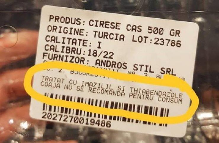 Cireşe toxice, însoţite de recomandarea de a nu le fi consumată coaja, vândute într-un hipermarket