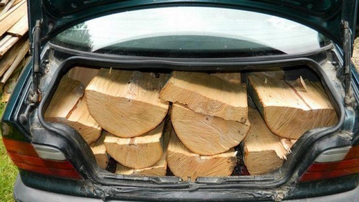 Razie a polițiștilor ardudeni. Un șofer din Ghirișa, prins cu lemne furate