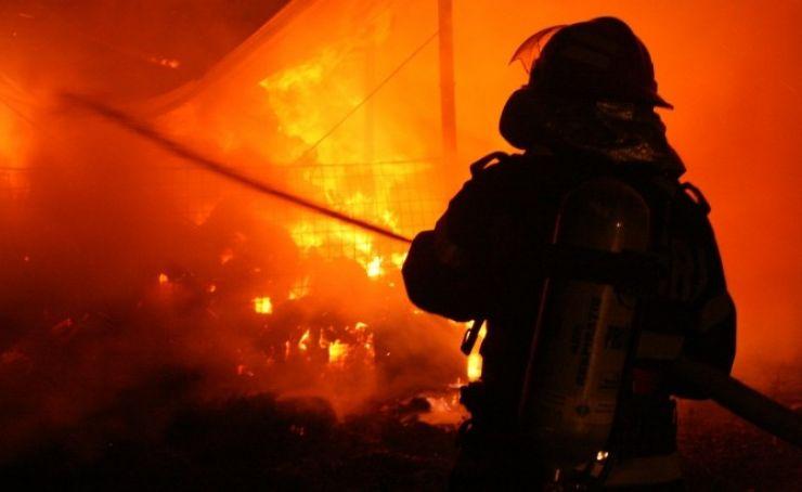 Incendiu la o anexă gospodărească din Tășnad
