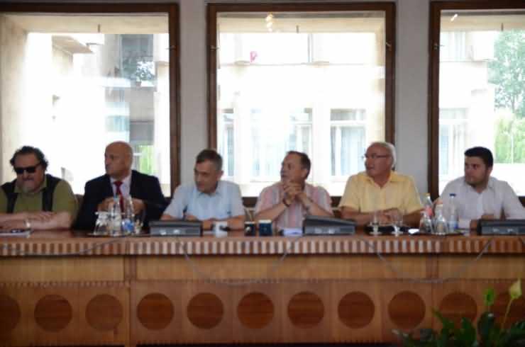 """De câte ori a pomenit Ștef numele """"Ponta"""" de pe scaunul de președinte al Consiliului Județean?"""