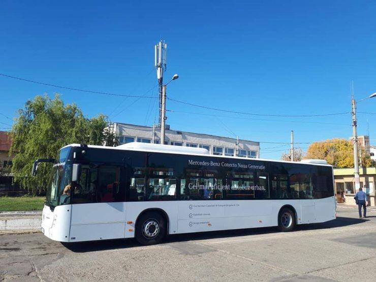 Autobuz Mercedes, în teste, pe drumurile din Satu Mare