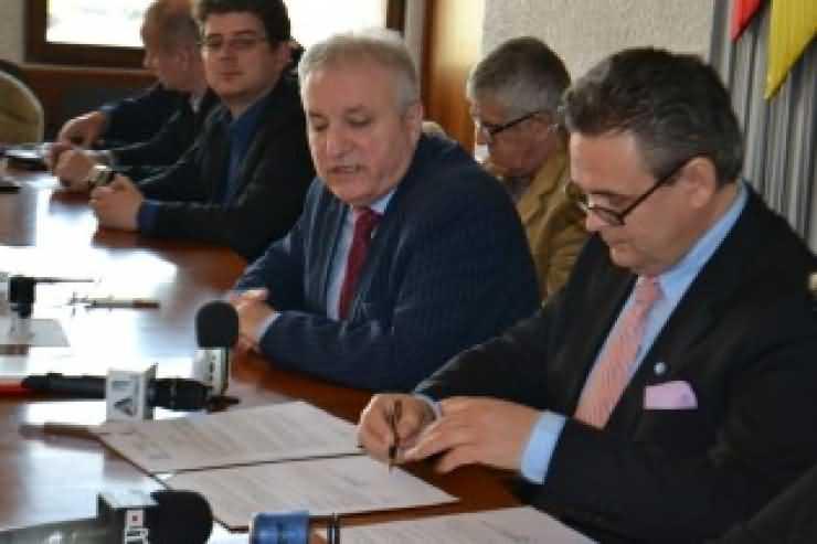 Acord de parteneriat semnat între Prefectura Satu Mare şi UNPR