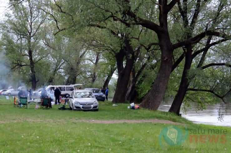 1 Mai sărbătorit la iarbă verde și în ștranduri (Galerie FOTO)
