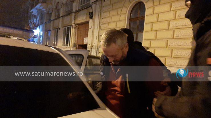 FOTO | Principalul suspect în cazul dublei crime din Bârsău, arestat pentru 30 de zile