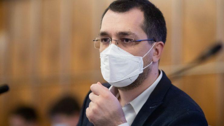 Ministrul Sănătății: Fără mască de protecție la orele de sport care se desfășoară în aer liber