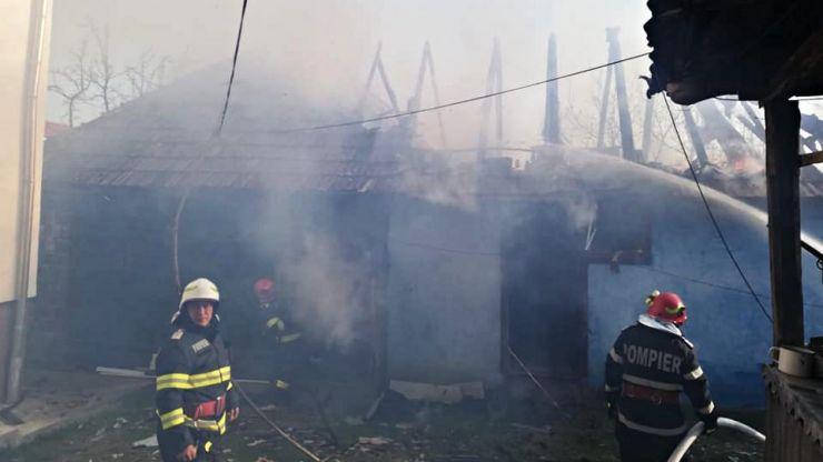 Incendiu la o șură din Negrești Oaș