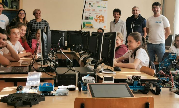 Proiect pilot în Medieșu Aurit | Cursuri gratuite de robotică și programare pentru 80 de copii