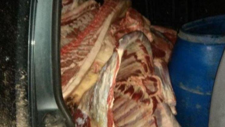24 kg de produse din carne de porc, confiscate la Vama Halmeu