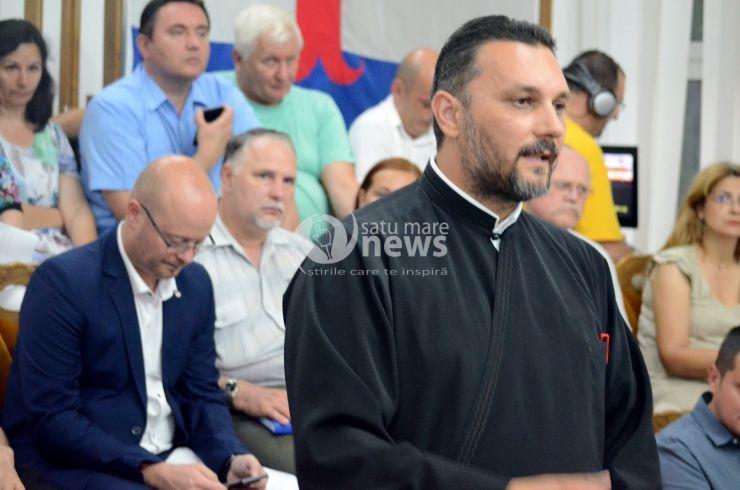 Preoții ortodocși nu acceptă ca magazinului Lidl să fie poziționat cu... dosul spre biserică